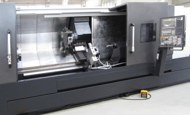 Un tornio. Le macchine utensili fanno la parte del leone nel Piano Nazionale Industria 4.0