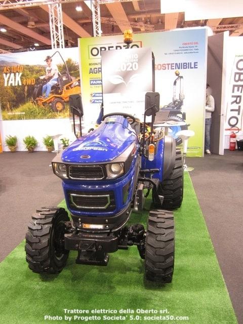 Il trattore ha ottenuto il premio innovazione in fiera a Verona. L'agricoltura sostenibile sta diventando un settore sempre piu' importante, cui il progetto Societa' 5.0 e' molto interessato