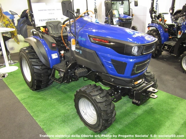 Il trattore Farmtrac Tractors FT-25G della Oberto srl a Fieragricola Verona