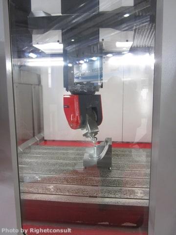Il perito per Industria 4.0 ha a che fare con molte tipologie di macchine. In fotografia, una fresatrice