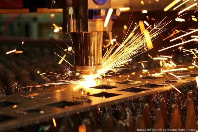 Voi vedete la bellezza di un'azienda meccanica che produce e da' lavoro a molte famiglie. Probabilmente i campioni della sostenibilita' vedono solo qualcosa di non sostenibile